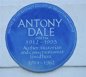 Blue plaque on No 46 Sussex Square